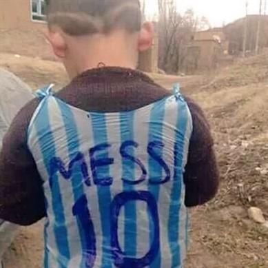 الطفل العراقي الذي يبحث عنه ميسي
