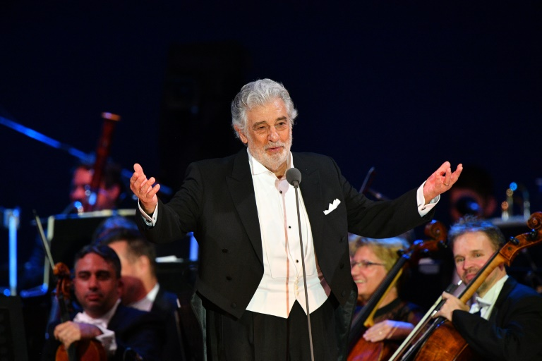إصابة مغني الأوبرا الاسباني المعروف بلاسيدو دومينغو بفيروس  كورونا